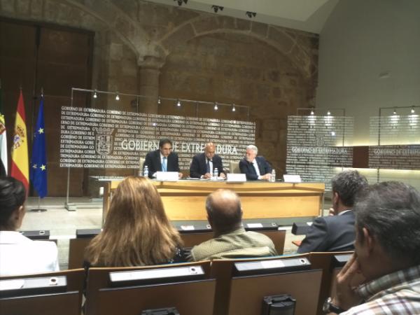 El Gobierno de Extremadura apoya por primera vez el plan de promoción exterior de aceituna de mesa