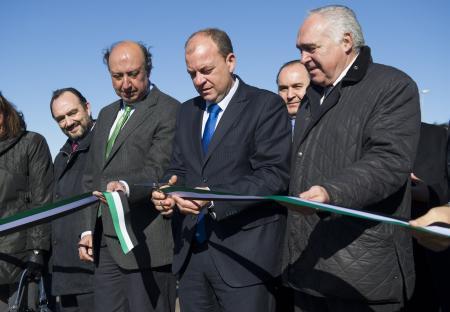 """El presidente Monago inaugura el área empresarial 'expaciomerida' que facilita la internacionalización, la innovación y la excelencia"""" de las empresas extremeñas"""