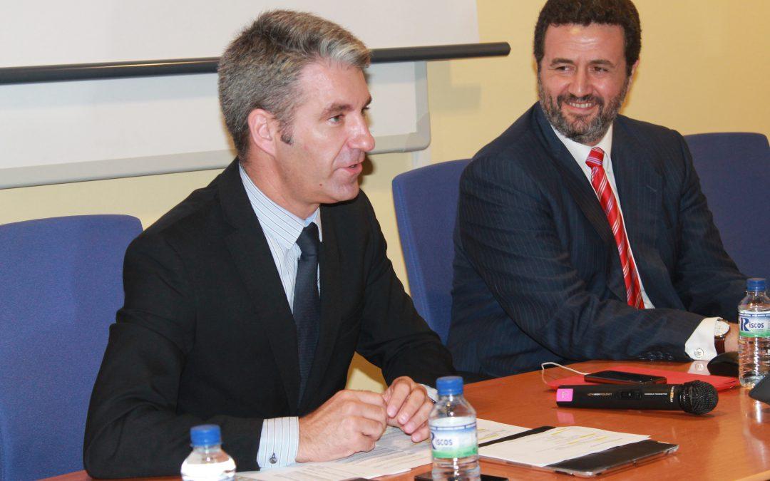 El secretario general de Competitividad destaca las oportunidades de las contrataciones internacionales para las empresas extremeñas