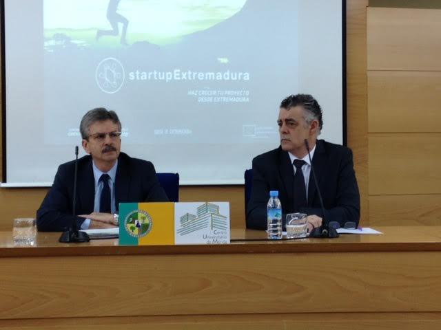 El consejero de Economía e Infraestructuras anima a emprender negocios de base tecnológica con el apoyo profesional e individualizado de Start Up Extremadura