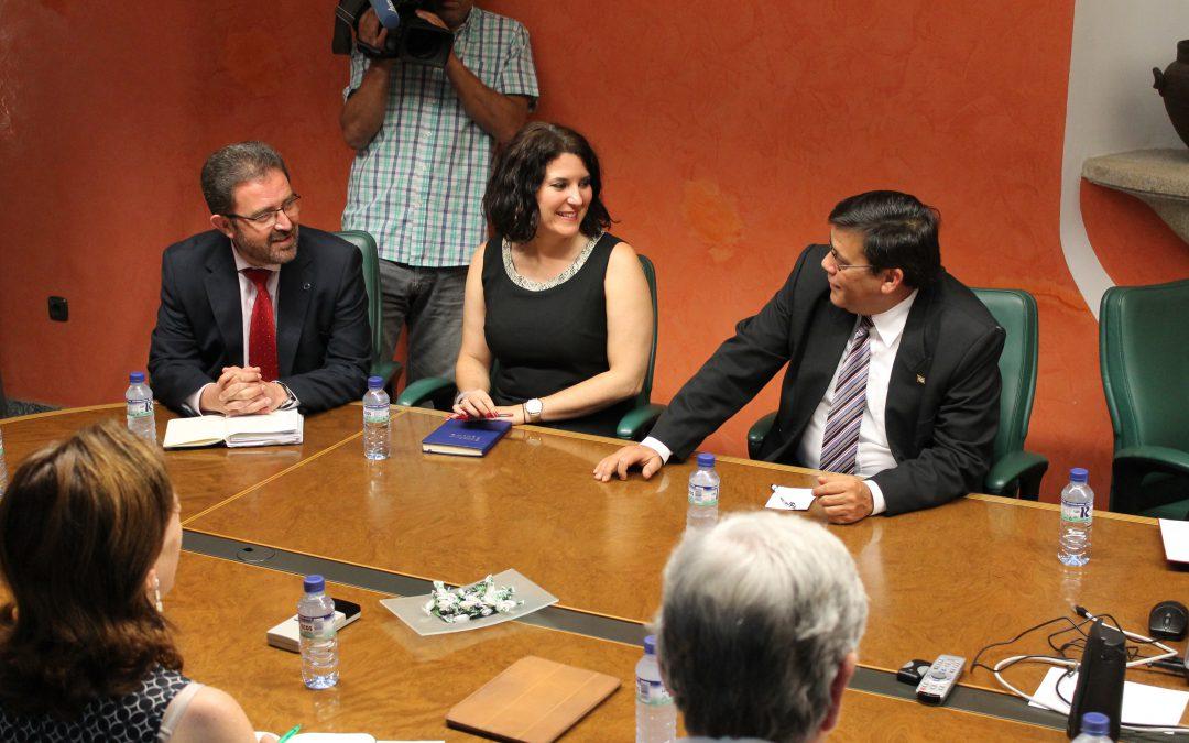 La Junta de Extremadura retoma las relaciones con Cuba para poner en marcha futuras acciones conjuntas