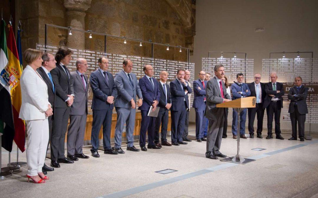 La Junta de Extremadura firma un convenio de colaboración con trece entidades financieras para impulsar y mejorar la financiación empresarial
