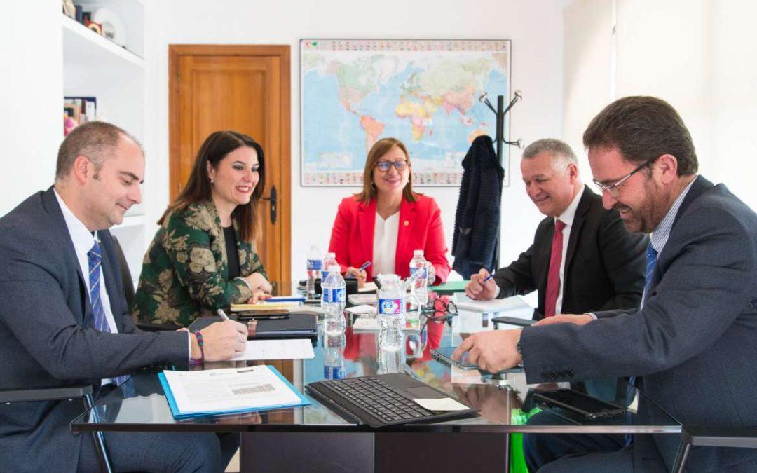 Extremadura y Costa Rica plasman su compromiso de colaboración con la convocatoria de dos becas de estudios universitarios para estudiantes costarricenses