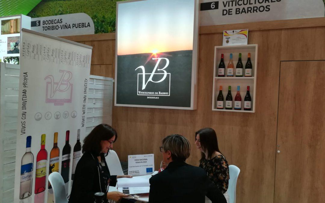 El sector vitivinícola extremeño difunde su marca en Fenavin 2019